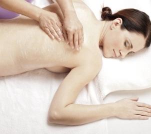 Hýčkací poporodní masáž pro čerstvou maminku
