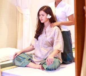 Masérský kurz Relaxační masáž na židli přes oblečení