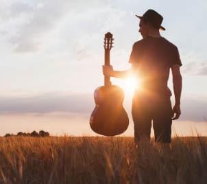 Kurz hry na kytaru - 13 kytarových rytmů, které si zamilujete